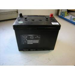 Battery -12V 70 AH - left +